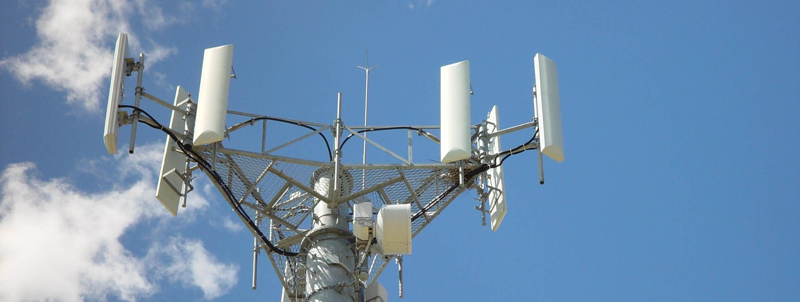 mobile-telephone-antennas-tower